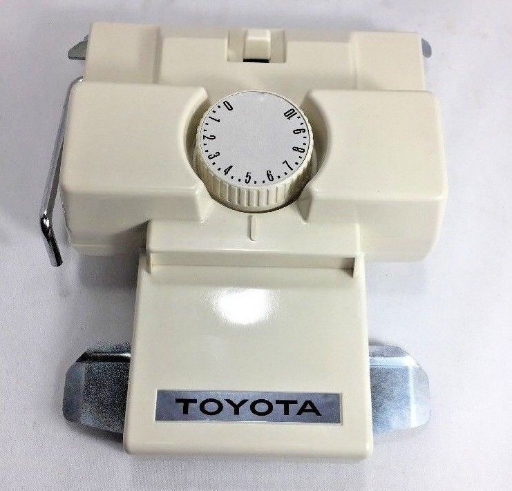 Primary image for TOYOTA K 82 Intarsia Carriage for Standard Knitting Machines No box