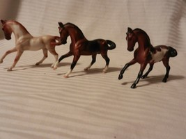 Set of 3 Breyer Stablemates Prancing Stallions, Mixed Colors - $22.28