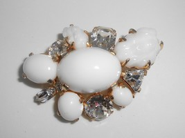 Marvella Rhinestone Milk Glass Brooch Pin Vintage Molded Glass - $19.00