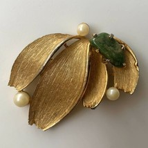Lisner Brooch Pin Nephrite Jade Brushed Gold Tone Faux Pearl Flower Floral  - $17.77