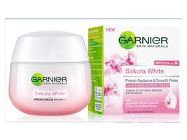 Garnier Sakura White Pinkish Radiance Moisturizing Cream SPF21/PA+++ 50ml - $18.50