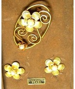 Vintage Cultured Pearl Gold Tone Flower Pin Earrings Set - $17.69