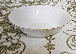 Royal Albert Val D'or Bone China Cream Scalloped Salad Soup  Dish Gold Trim - $15.10