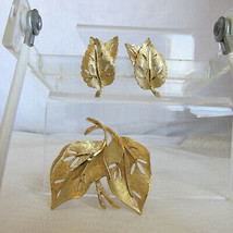 Vintage BSK Double Leaf Pin Brooch & Earrings Set Comfy Clips Gold Plate... - $22.49