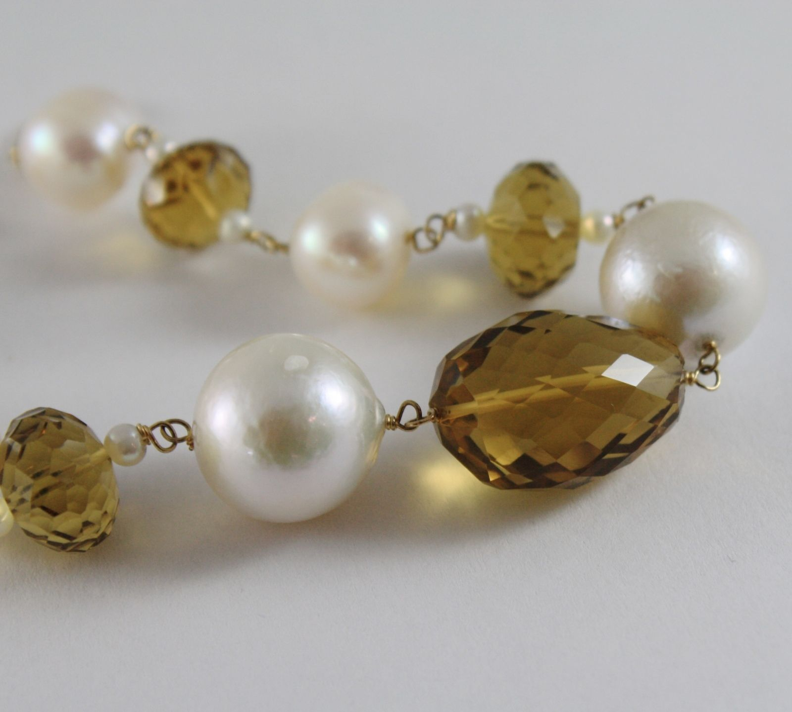 18K YELLOW GOLD BRACELET BIG WHITE PEARLS, CUSHION BROWN QUARTZ, MADE IN ITALY