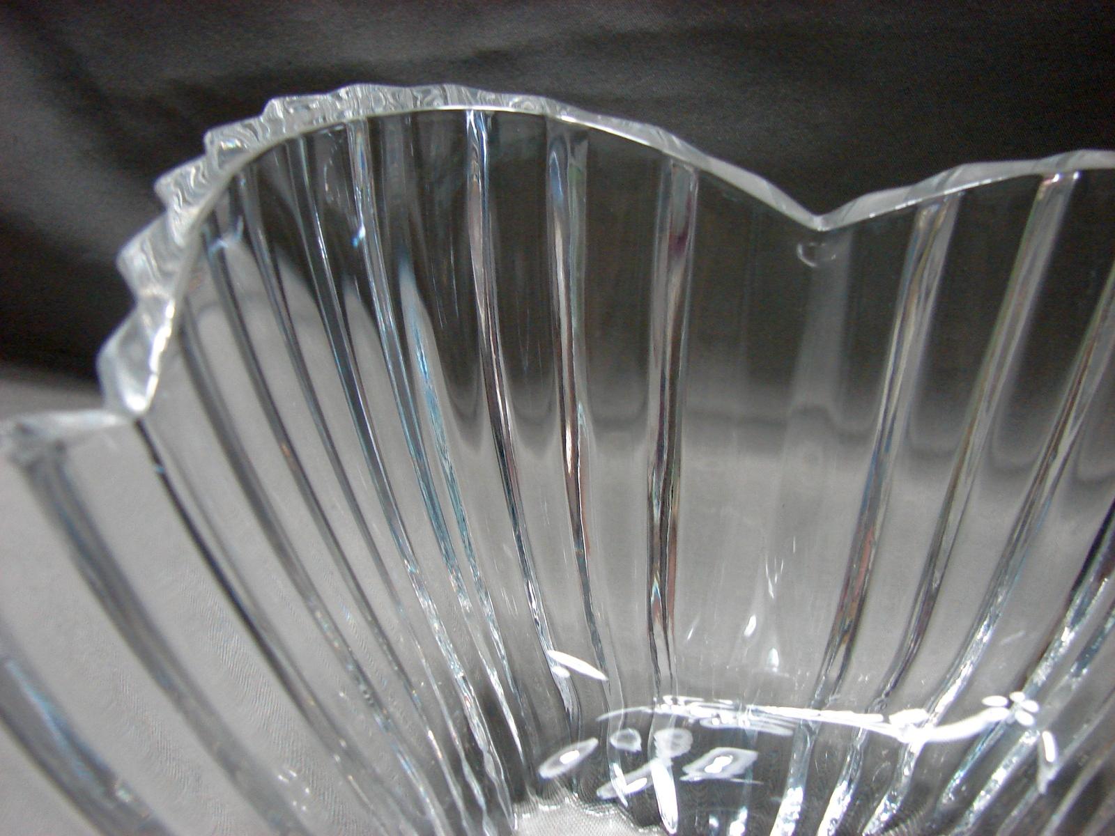 """Mikasa  7 1/2 """" (diagonal) 6 inch """"Lydia Tulip Dish"""" Stunning image 4"""