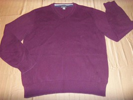 M2783 Mens Gap Burgundy Cotton Knit Vee Neck Sweater Small - $12.60
