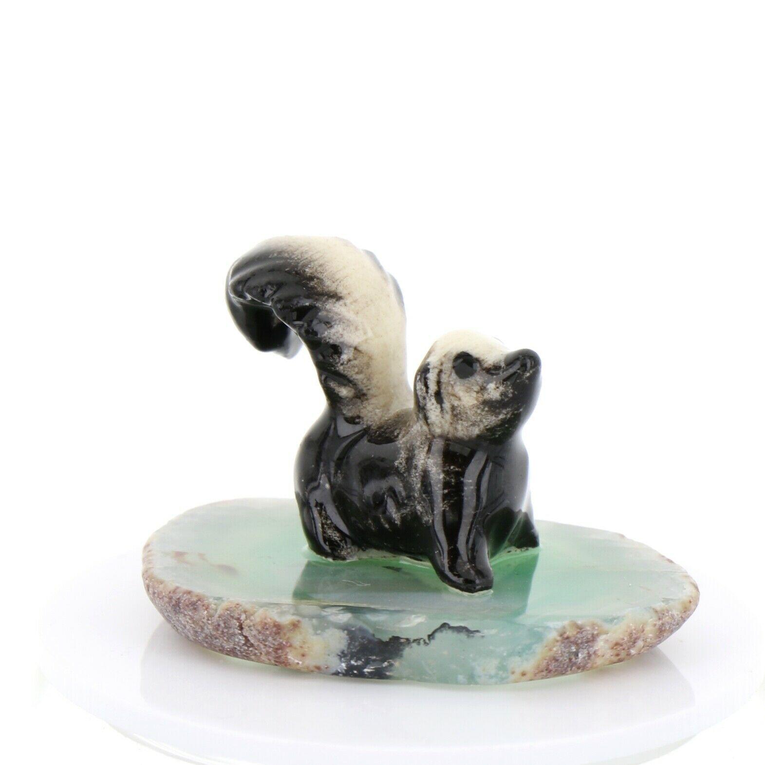Hagen Renaker Miniature Skunk Baby on Base Stepping Stones Figurine #2739