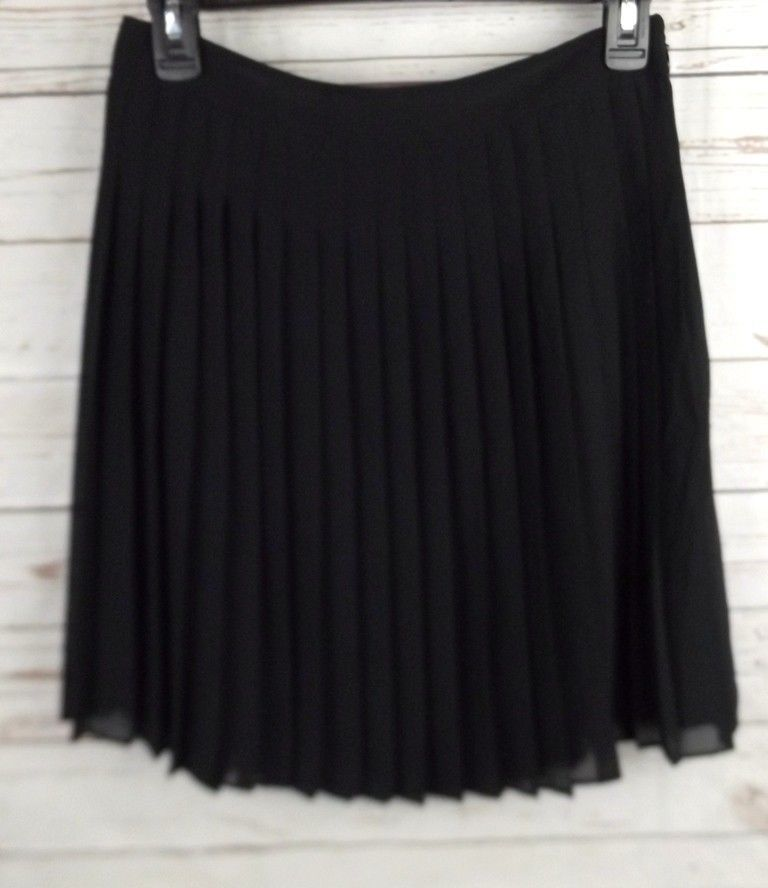 Ann Taylor Loft  Chiffon Pleat Skirt Size 4 Black