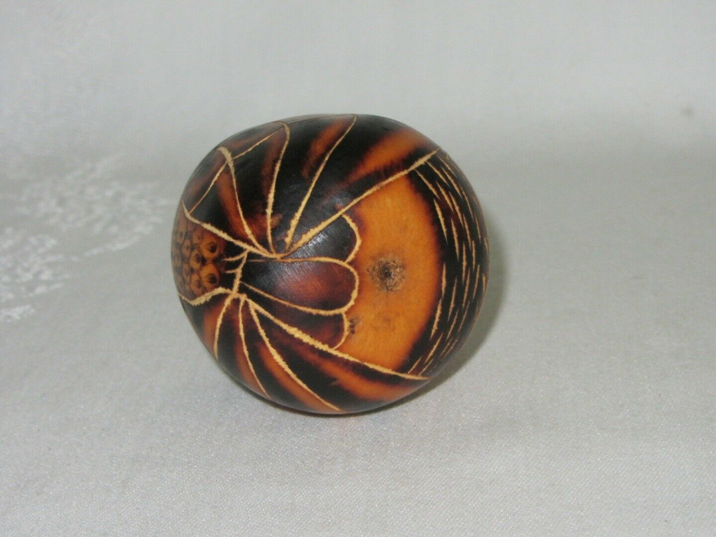 Hand Painted Etched Round Gourd Owl Bird Figurine Vtg Sm Ornament Peru Folk Art