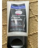 Neutrogena Men Razor Defense Face Scrub 4.2 oz Deep Clean Less Razor Irr... - $7.92
