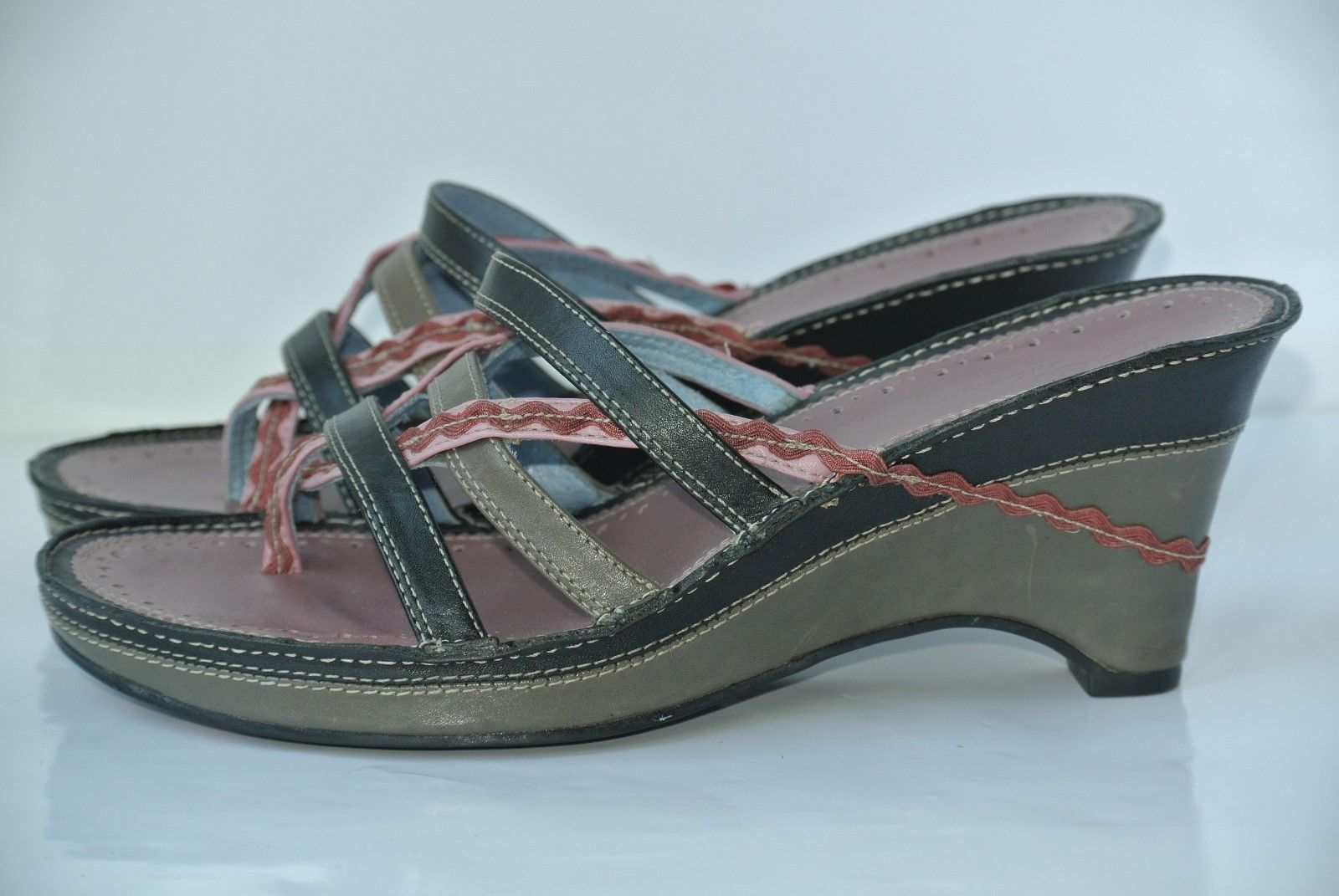 cff884b2f7d 57. 57. Previous. Clarks Indigo Womens 7 M Black Gray Pink Leather Wedge  Heel Strappy Sandals NICE
