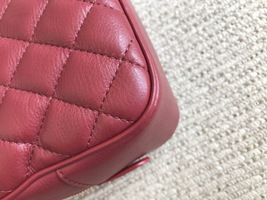 AUTHENTIC CHANEL 2018/2019 RED LEATHER QUILTED 2-WAY HANDLE BAG GHW image 9