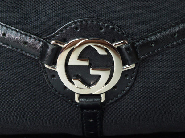 Authentic GUCCI GG Logo Canvas, Leather Black Shoulder Bag GS4849L