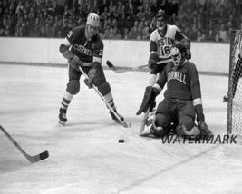 Men Hockey 1968 NCAA Cornell Big Red Game Action Ken Dryden in Nets 8 X 10 Photo - $9.99