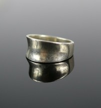 Vintage .925 Sterling Silver Signed MF Curved Simple Band Size 6.5 Ring ... - $13.70