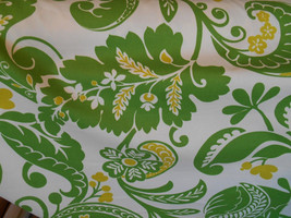 DAMASK design FLORAL STYLIZED kelly green cotton upholstery fabric home decor,07 - $8.49