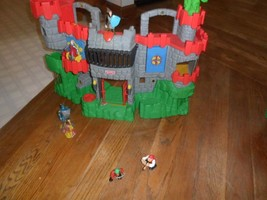 Fisher Price Great Adventures Castle1994,7 figure,,folding stairs,revolv... - $24.99