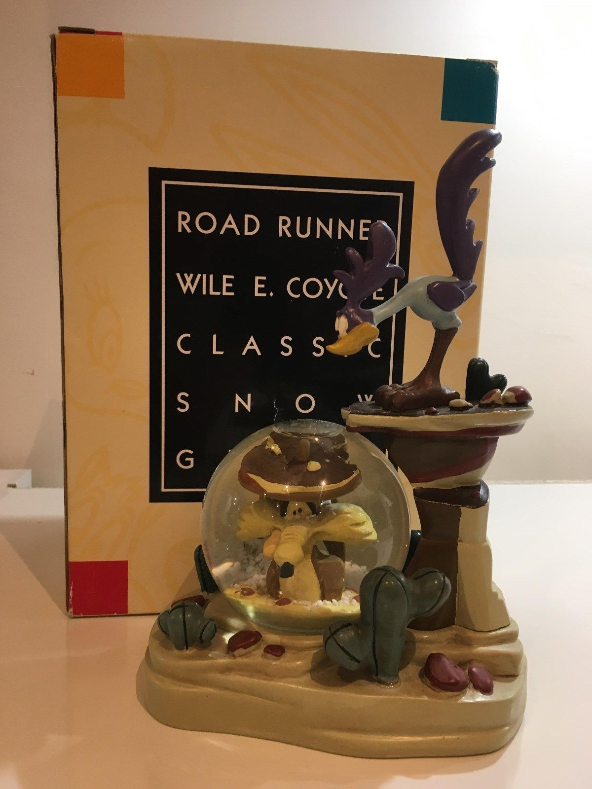 Primary image for Extremely Rare! Looney Tunes Road Runner & Wile E Coyote Figurine Globe Statue