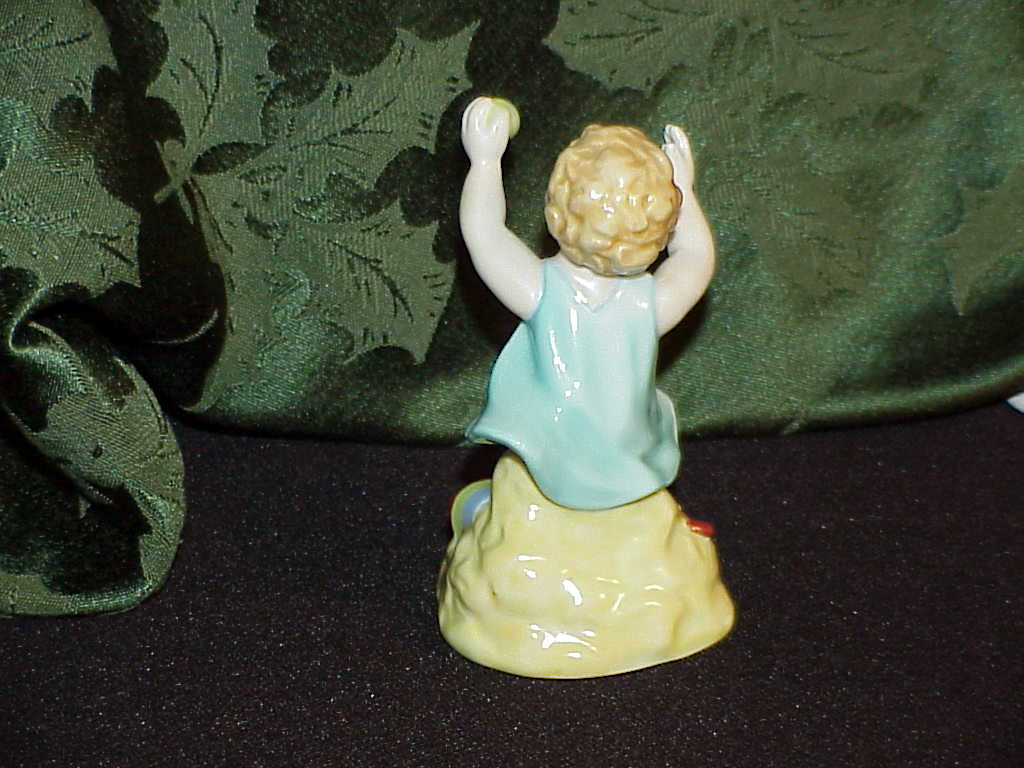 Royal Worcester Sabbath Child at the Beach Figure #3256