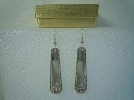 Oneida Bordeaux 1945 Earrings Silverplate - $26.72