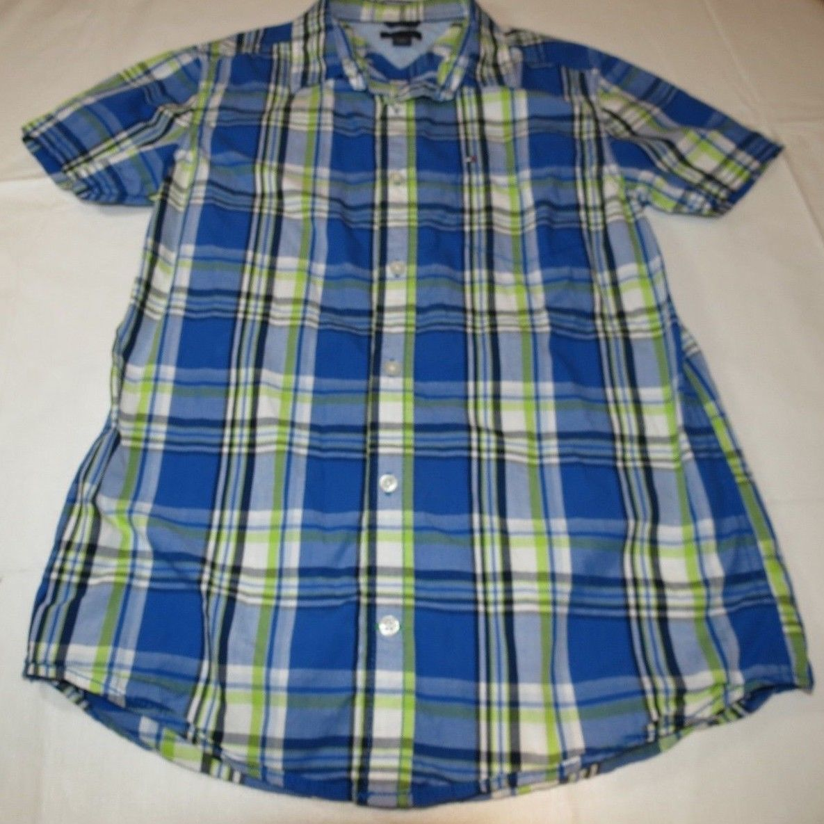 Boy's youth Tommy Hilfiger Plaid button up short sleeve shirt Boys L 16/18 EUC