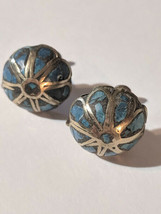 Vintage Flower With Blue Stone Inlay Silver Plated Screwback Earrings So... - $14.00