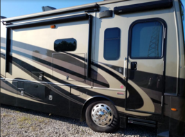 This 2019 Holiday Rambler Navigator FOR SALE IN Ankeny, IA 50023 image 1