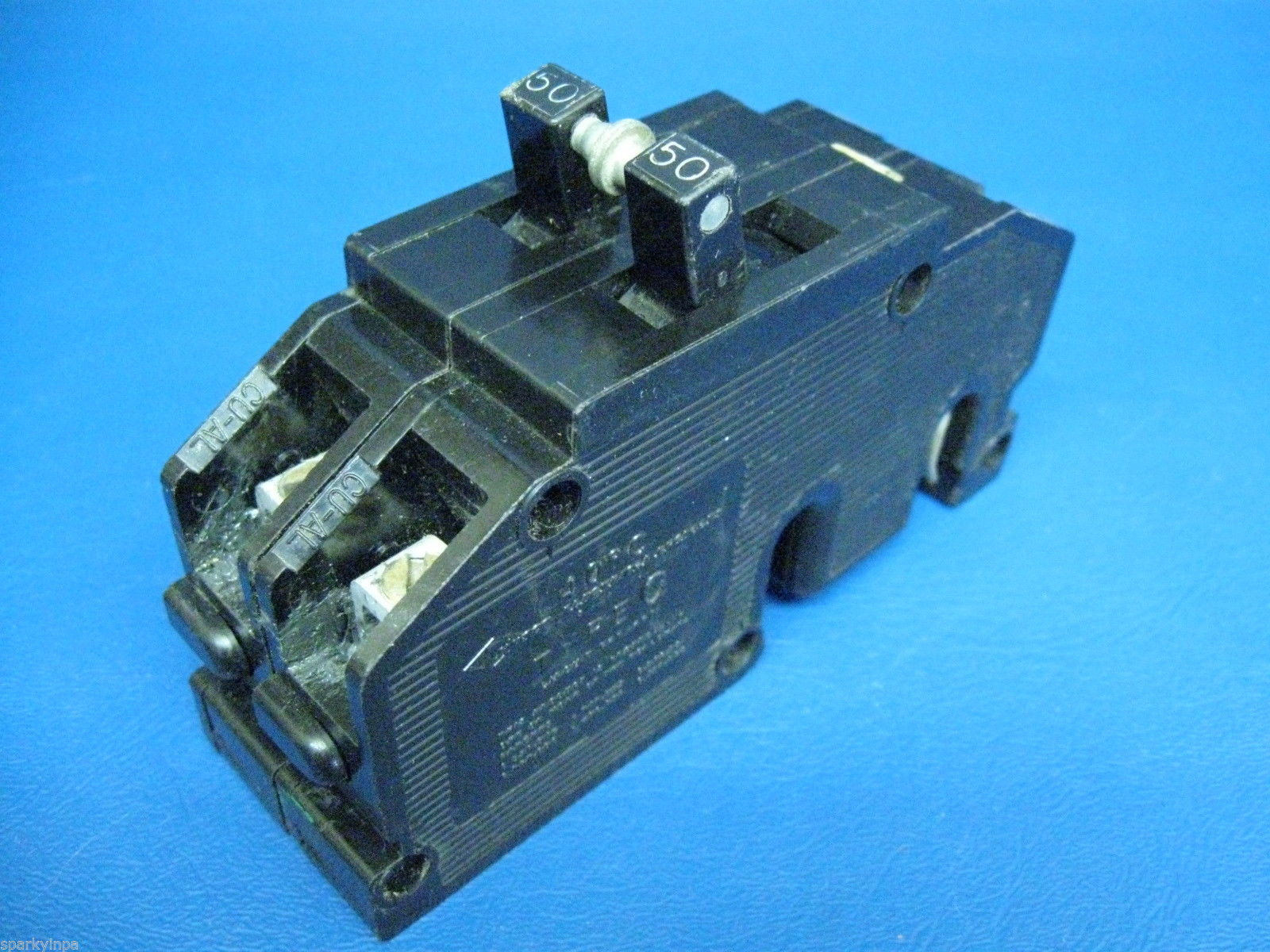 It With A Car Type Fuse Or A Circuit Breaker