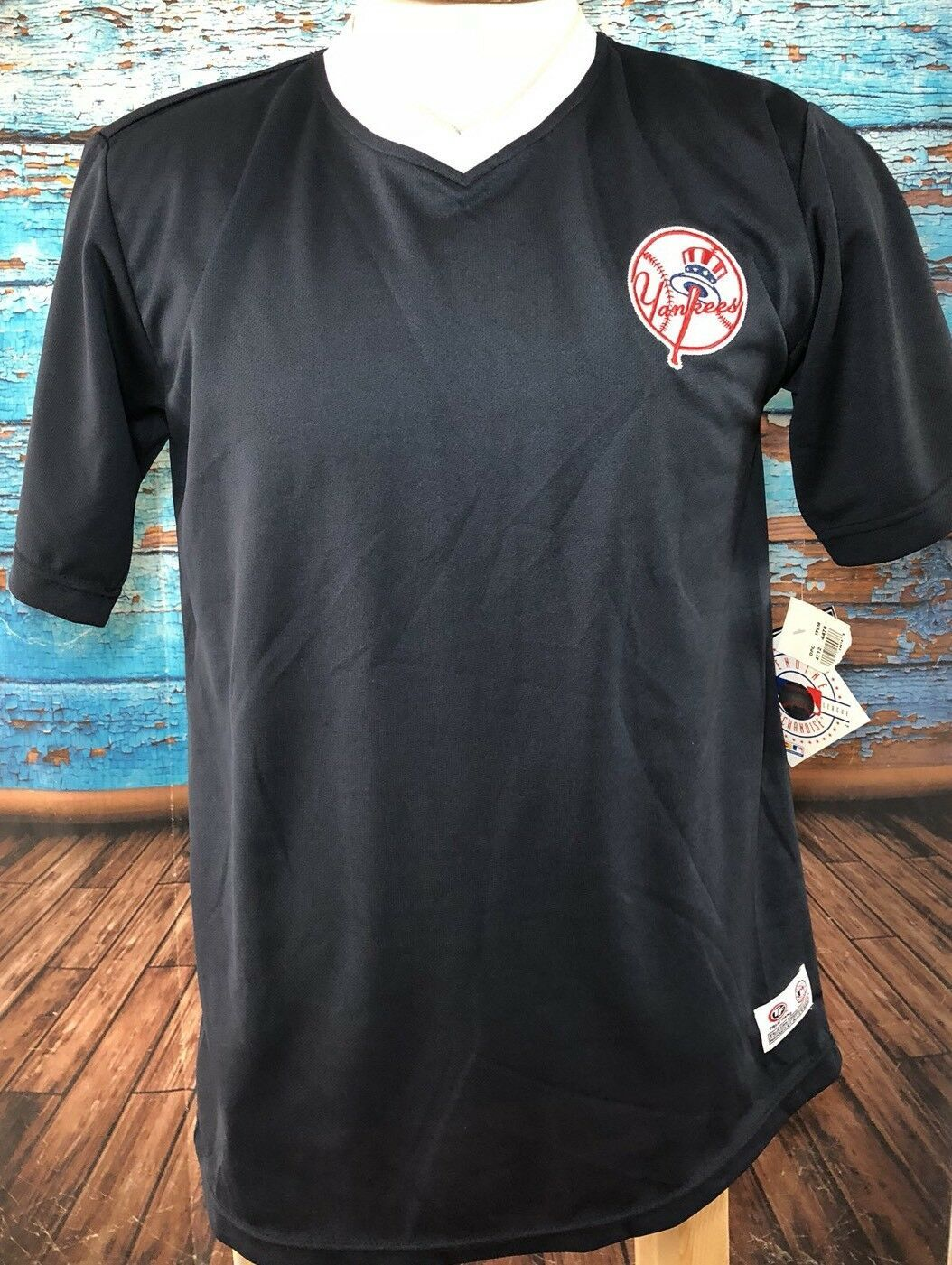 MLB New York Yankees Baseball Men's Small Blue Shirt Jersey V-neck S New NWT