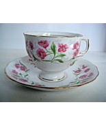 Colclough Bone China Tea Cup & Saucer Set Red Flowers Made In England - $15.79