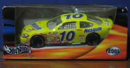 Hot Wheels 1:24 Scale Nesquik Nascar Car 52856 - 2001 - New in Box - $19.95