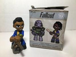 Vault Dweller Male Fallout Mystery Minis Vinyl Figure Funko Bethesda 2018 - $12.86