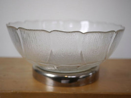 """Vintage Arcoroc Fluer Silver Plated Footed Clear Serving Glass Bowl 10.5"""" Wide - $10.39"""