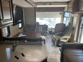 2014 THOR MOTOR COACH PALAZZO 33.2 FOR SALE IN House Springs, MO 63051 image 14