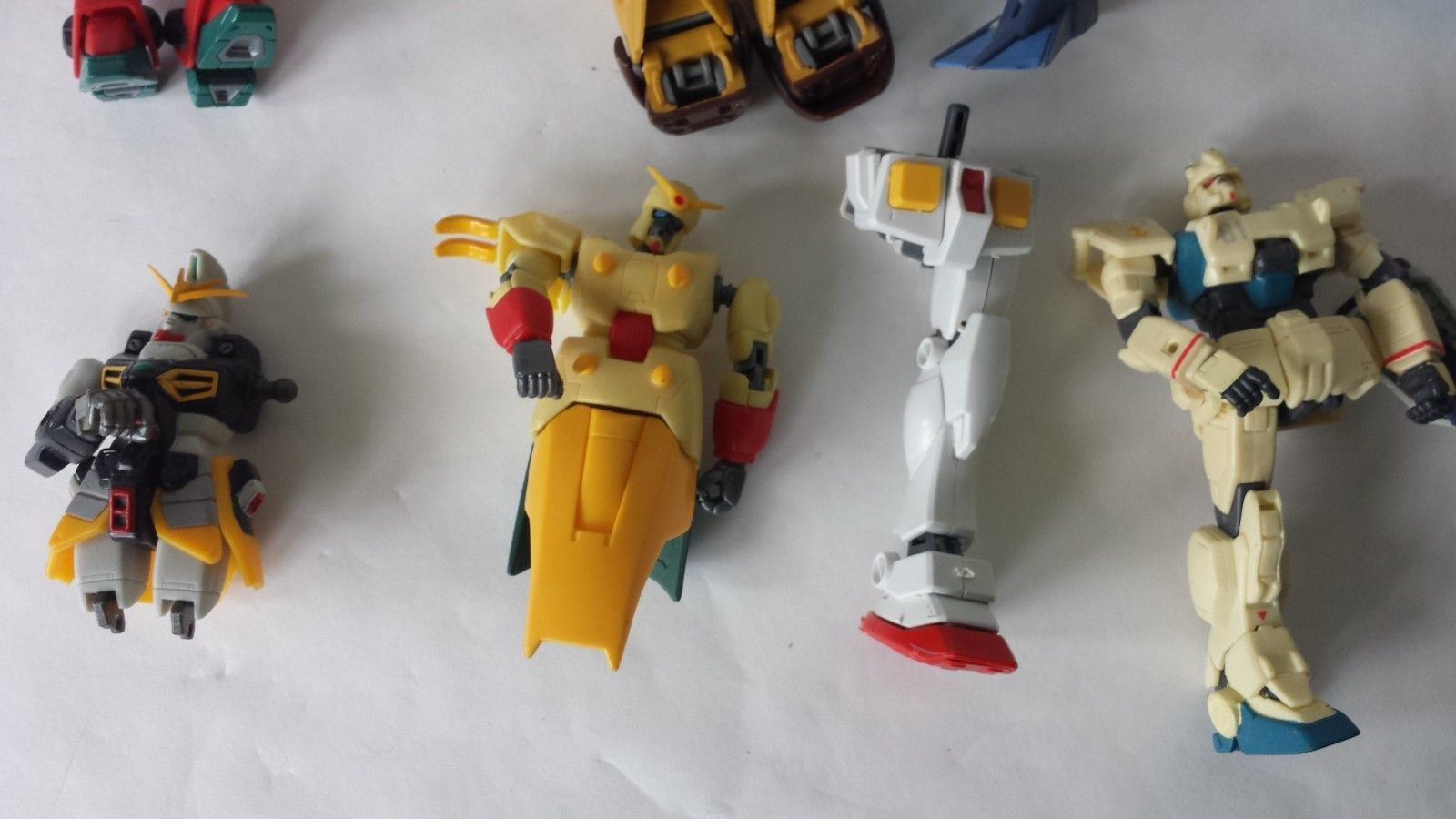 7 Misc Broken Plastic Figure Parts Gundam Transformer Style Soldiers Parts Only