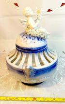 VINTAGE ORNATE BLUE AND WHITE CHERUB ON SPAGHETTI CLOUD  POTPOURRI URN image 11