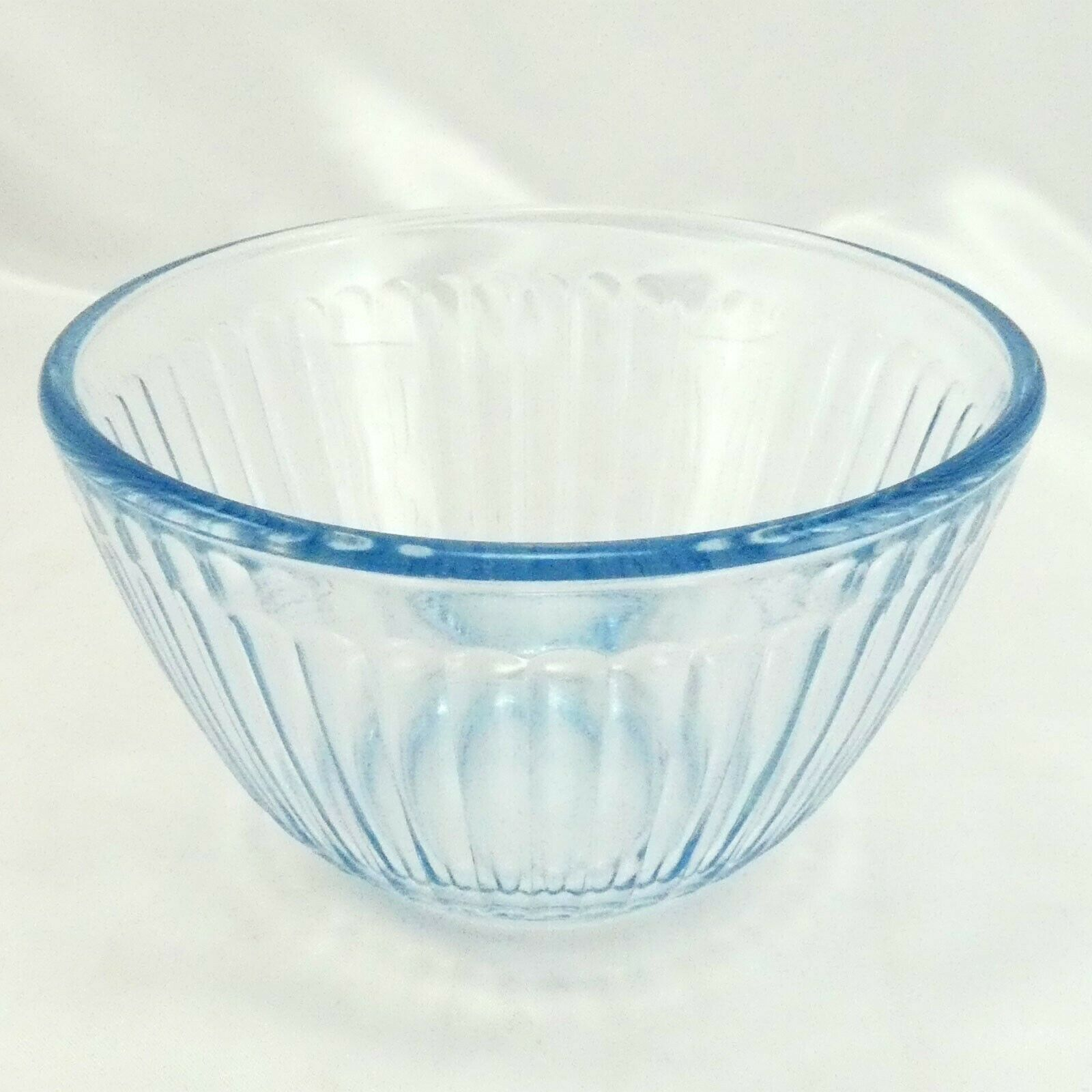 Pyrex 7401-S Ribbed Side Blue Aqua Tint Glass Serving Bowl 3 Cup