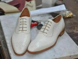 Handmade Men's White Leather Heart Medallion Dress/Formal Oxford Shoes image 1