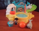 FISHER PRICE LITTLE PEOPLE AQUARIUM VISIT PLAYSET W/ ORIGINAL PIECES. 2014 To13