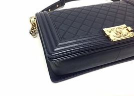 100% AUTHENTIC CHANEL NAVY BLUE QUILTED LEATHER NEW MEDIUM BOY FLAP BAG GHW image 5