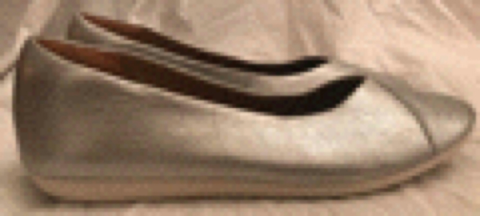 Clarks Artisan Women's 8.5M Ballet Flats Metallic Leather Silver