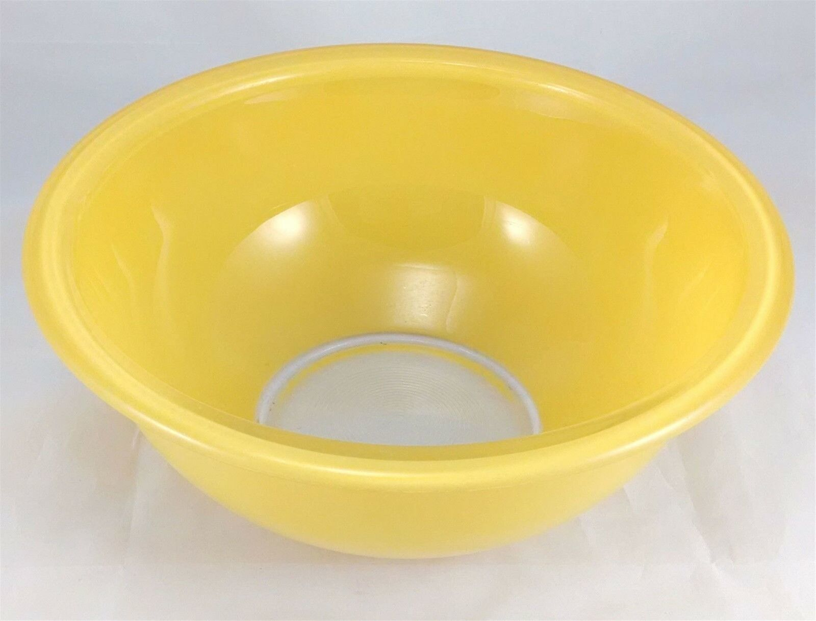 Pyrex 323 Yellow w/ Clear Bottom 1.5 Liter Vintage Mixing Bowl