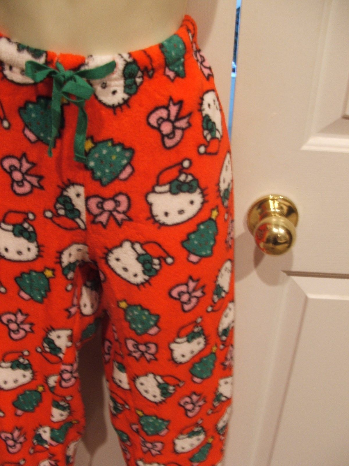 NWT Hello Kitty Christmas Fleece Women s Junior Lounge Pajama Pant Bottoms  LARGE c6e12d202