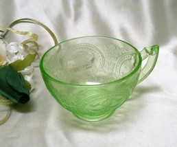 3021 Antique Indiana Glass No.612 Green Horseshoe Cup - $10.50
