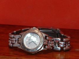 Pre-Owned Women's Fossil AM-3186 Date Analog Watch - $14.85