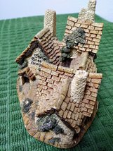 The  Green Dragon Pub Cottage by David Winter Issued 1983 Figurine  image 5