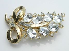 Crown TRIFARI Clear Rhinestone 1950s Flower Gold Tone Pin Brooch Vintage... - $42.07