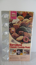 Vtg Wilton Christmas Barcelona Fans & Diamonds Classic Cookie Candy Treat Pan 19 - $11.29