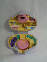 Vintage 1993 Bluebird Polly Pocket Purple Dazzling Dog Show Compact - Rare - $19.78